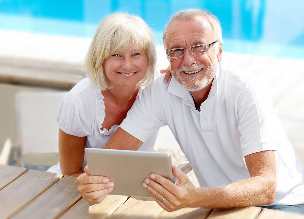 Happy seniors found out you can sell your life insurance